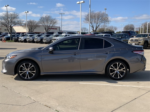 Pre-Owned 2020 Toyota Camry SE