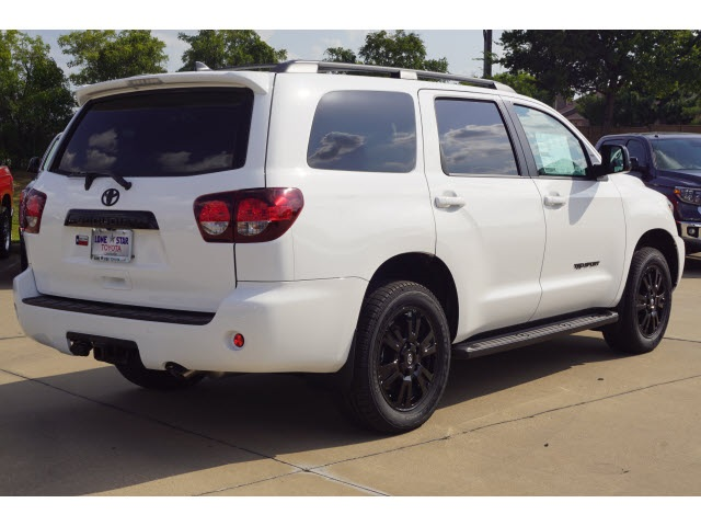 New 2020 Toyota SEQUOIA 4X2 SR5