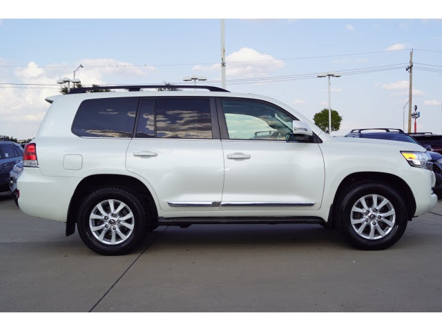 Pre-Owned 2016 Toyota Land Cruiser Base