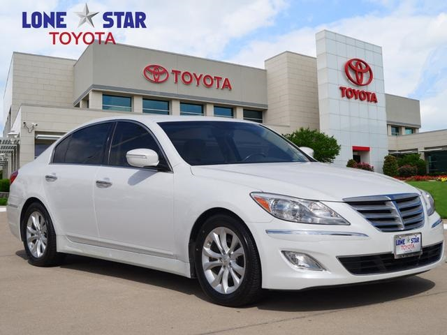 Wonderful Pre Owned 2013 Hyundai Genesis 3.8