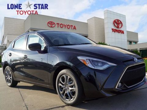 New 2019 Toyota YARIS Sedan 4-Door XLE Auto